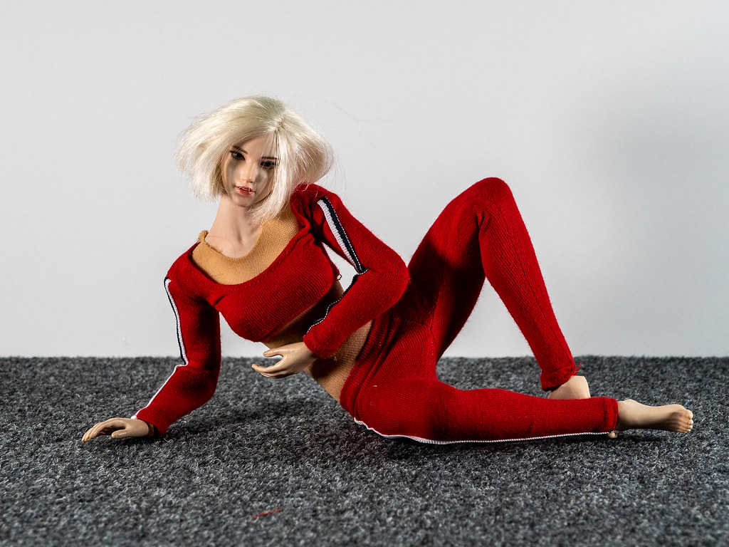 Phicen Female Posing Guide 49517403176_febaa4b61a_b
