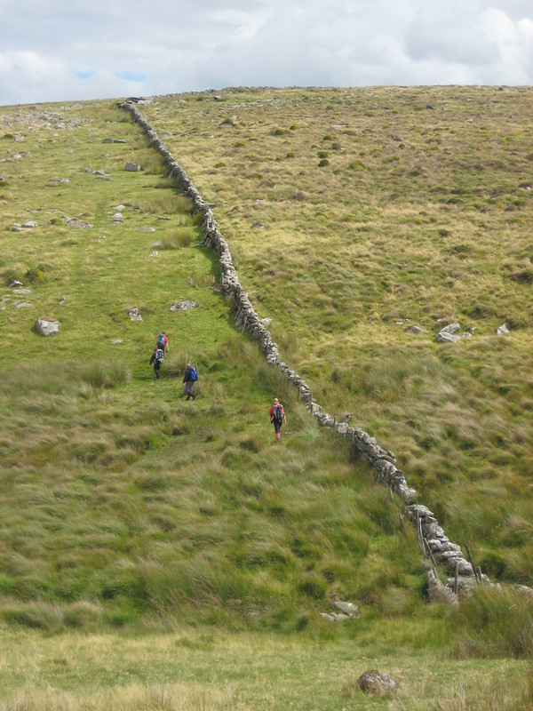 Day 2: Following the wall over Stonetor Hill