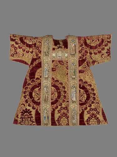 Spanish, Dalmatic, 15th–16th century, gold and red silk velvet brocade, applied embroidered panels with metallic threads, polychrome silk, and applied pearls, the Hispanic Society of America. From Houston says Olé to new Spanish exhibition from Hispanic Society.