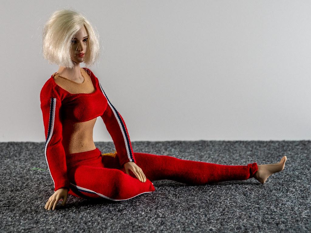 Phicen Female Posing Guide 49517619257_2eb7d59b40_b