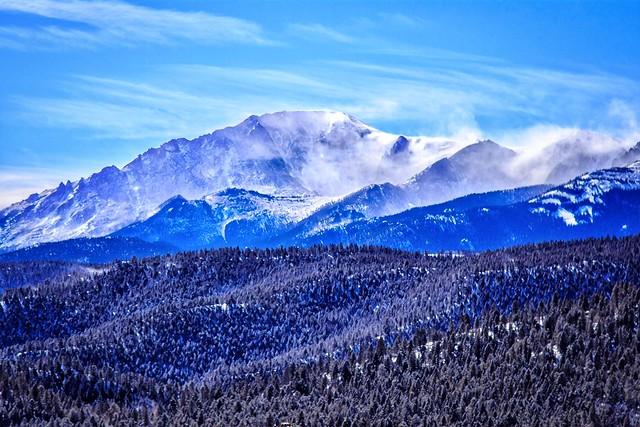 Pikes Peak's Winter Coat