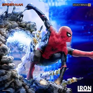 現實與幻象交錯的有趣設計! Iron Studios Legacy Replica 系列《蜘蛛人:離家日》蜘蛛人 Spider-Man 1/4 比例全身雕像