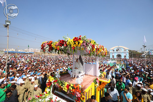Flood of devotees in procession