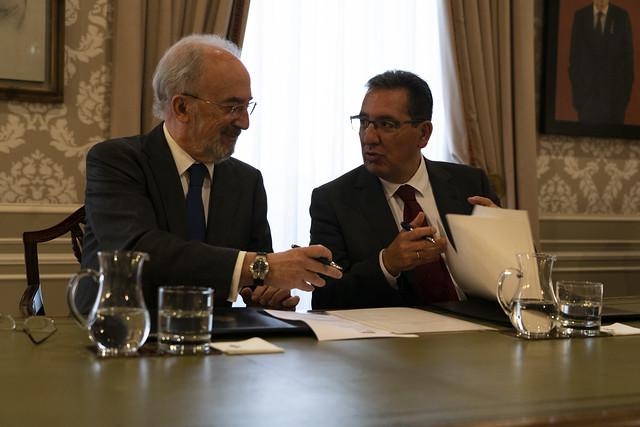 Firma convenio RAE-Fundación Cajasol