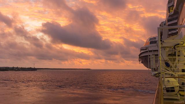 Lever du soleil, sunrise - Koningsdam - Half Moon Cay, BAHAMAS - 4116