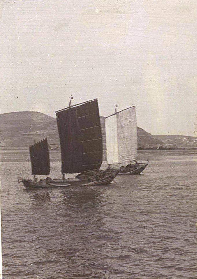 17. Небольшие парусные лодки на воде. 1901
