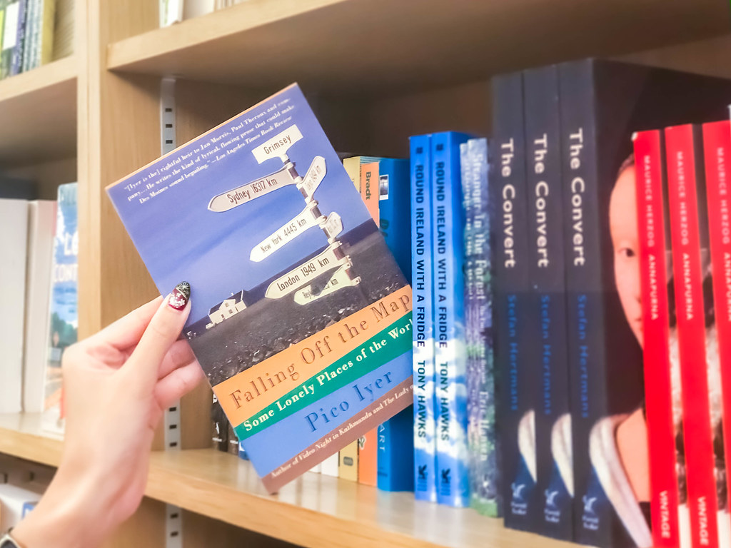 travel-books-alexisjetsets-4