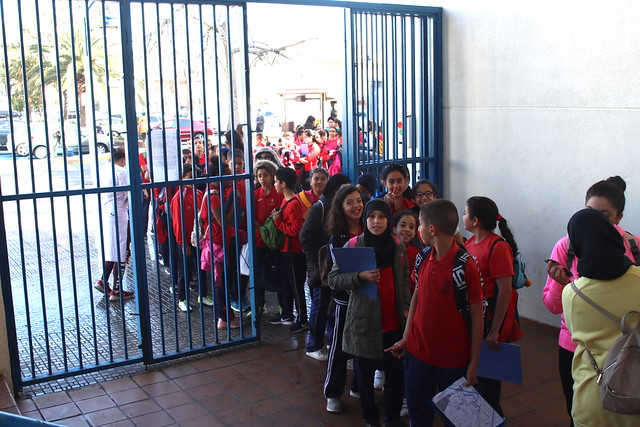 SOCIAL | Los alumnos del CEIP León Solá visitan el entrenamiento del Decano