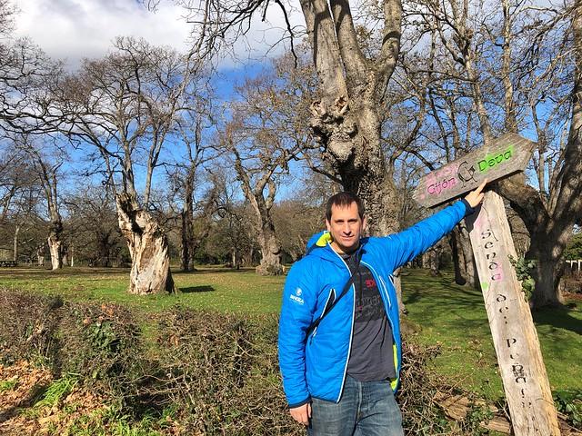 Sele haciendo el sendero del Peñafrancia en el concejo de Gijón