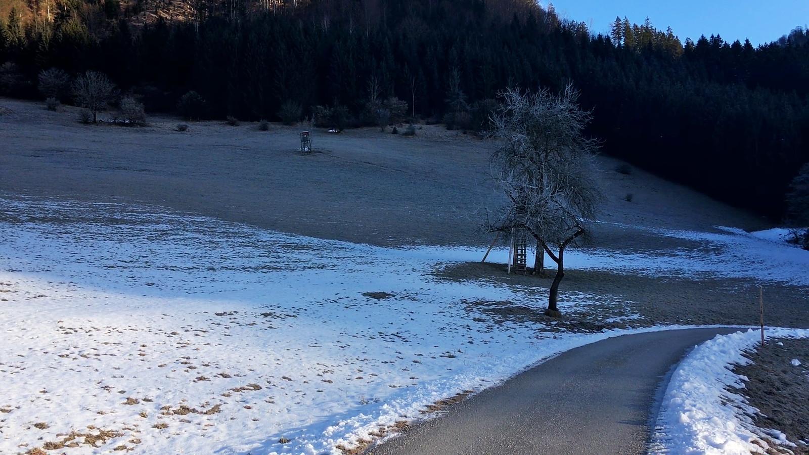 Po sněhu ani památky
