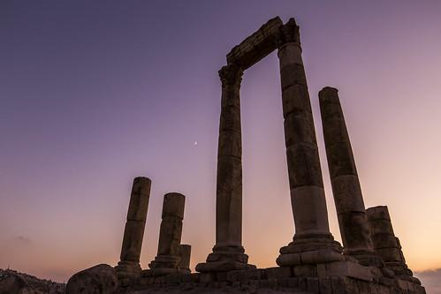 jordan amman templeofhercules middeleaste sunset colorful sky moon dark night historical ammancitadel citadel landscape cityscape urban