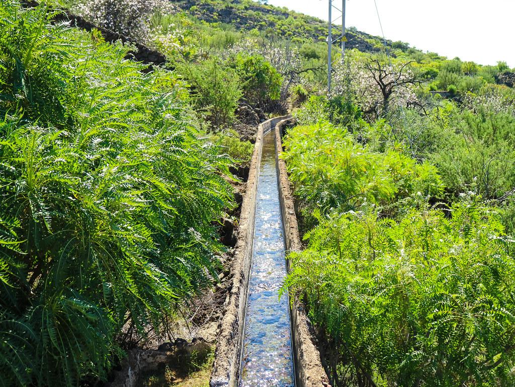Canal de agua en Santiago del Teide