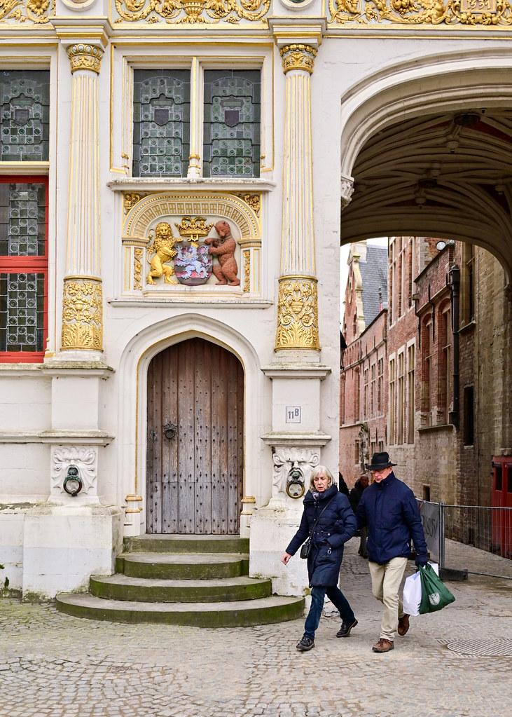 Arco de entrada a plaza del Burg, de los sitios más importantes que ver en Brujas