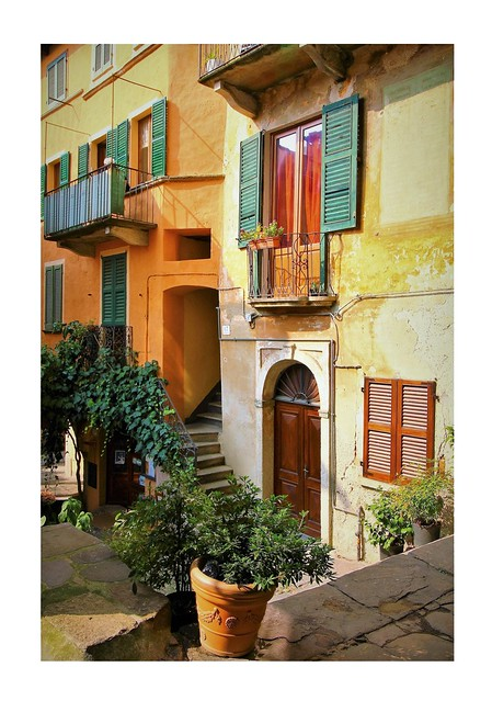 Le colorate case di Varenna