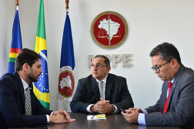 Reunião com Secretário de Defesa Social de PE sobre torcidas organizadas