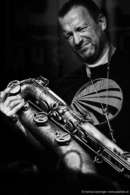 Mats Gustafsson: flute, sax, electronics;