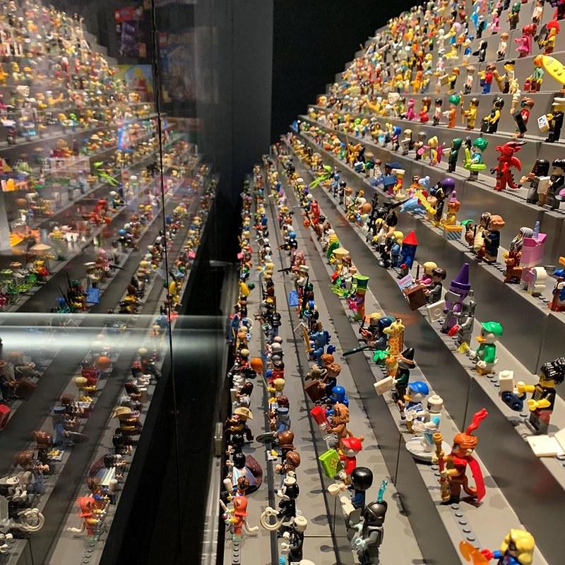 LEGO House Minifigures