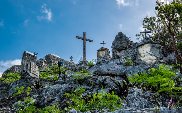Crosses of Bahama Islands-09732