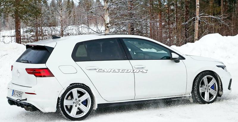 VW-Golf-R (4)