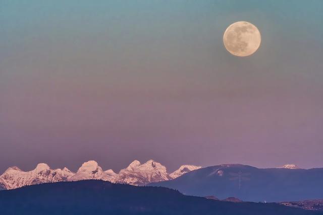 snow moon rising . . .
