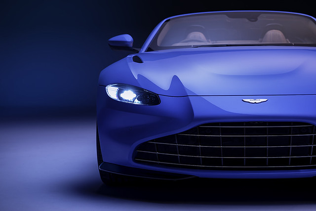 Aston Martin Vantage Roadster_02