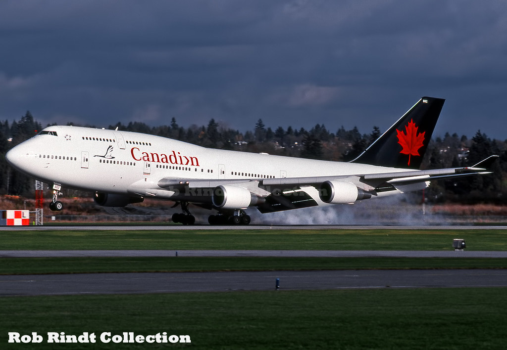 Canadian Airlines B747-475 C-FCRA