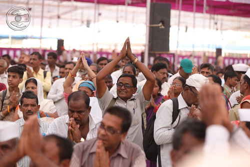 Devotees seeking blessings in Namaskar Line