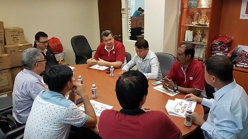 圖01.CIEU執行秘書陳清珠向我們解說CIEU的組織與運作情形