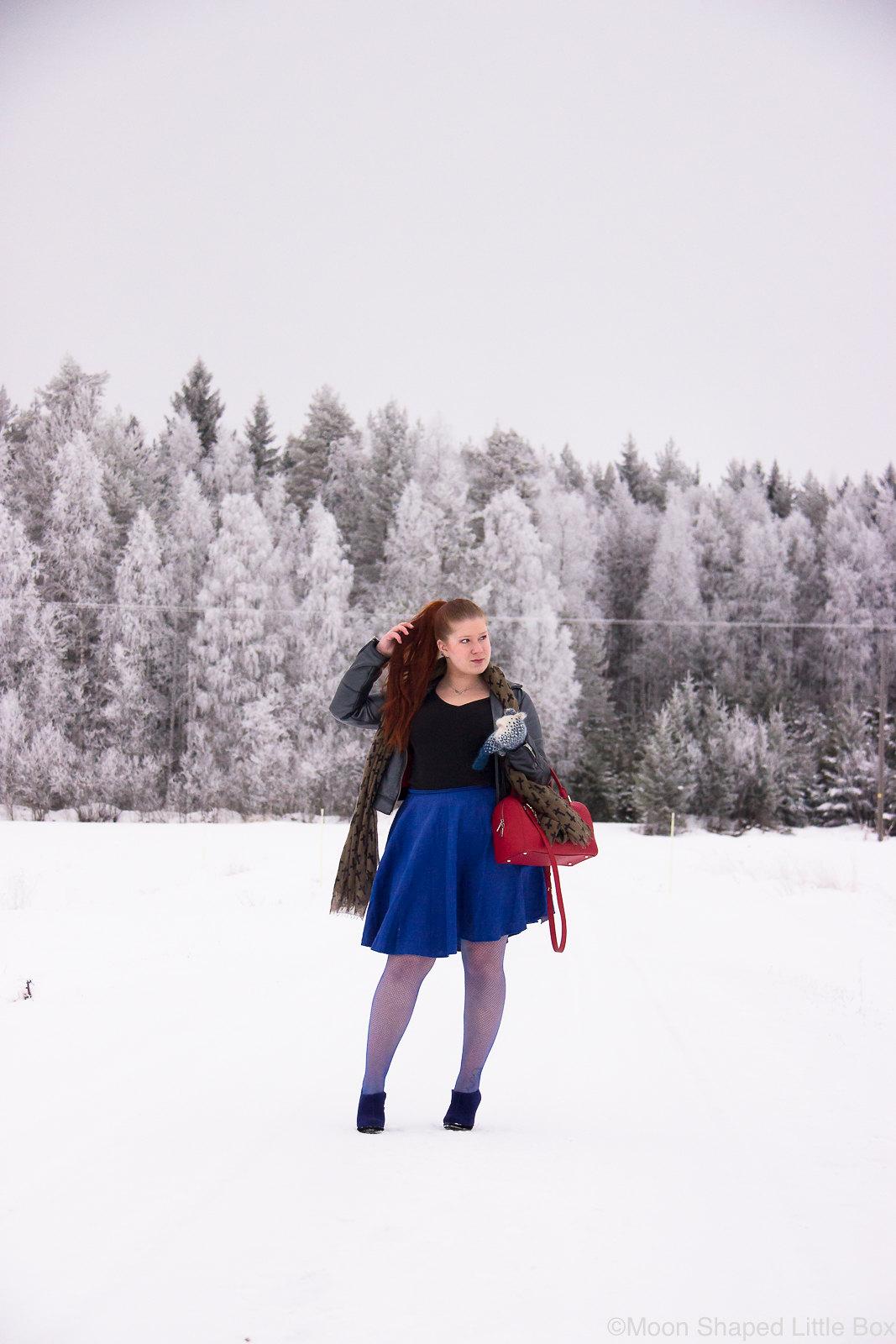 Asu-pellavahameella-tyylibloggaaja
