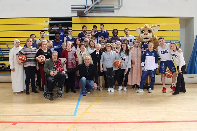 SOCIAL | El equipo recibe la visita del Centro Social de Mayores