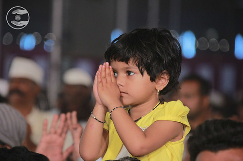 Child devotee delighted on seeking blessings