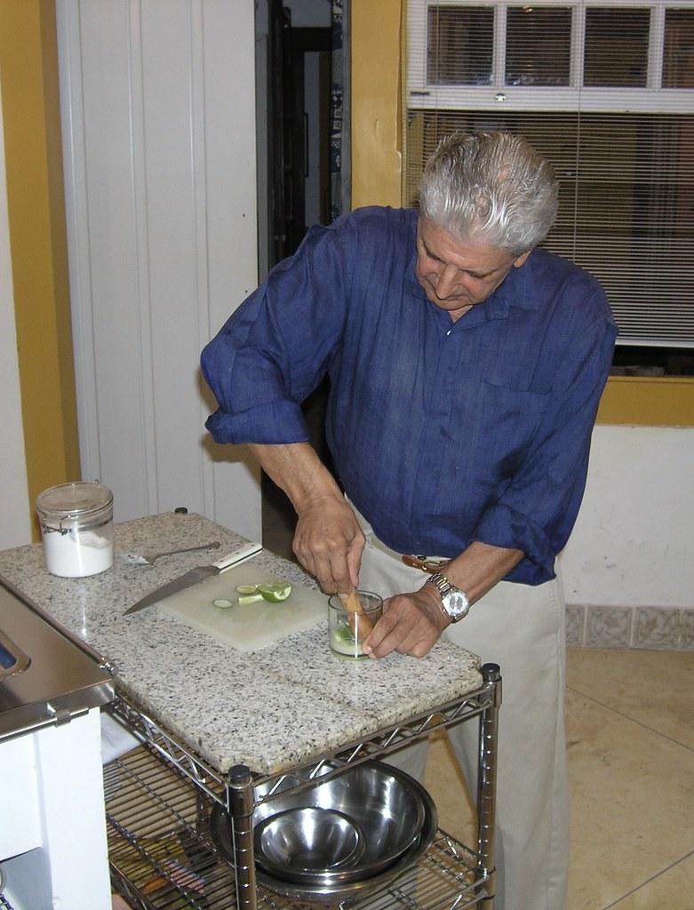 Richard makes a pre-dinner caipirinha