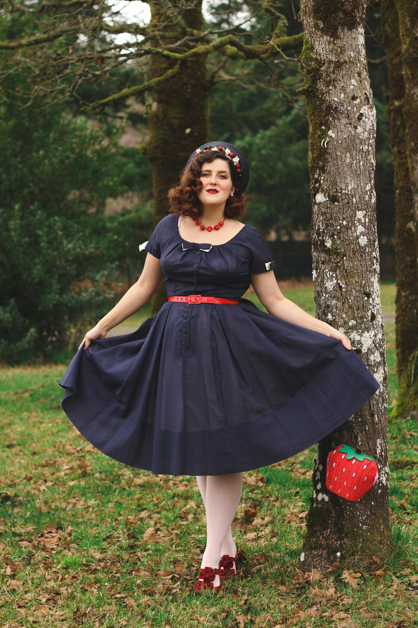 Vintage Snow White Disneybounding Outfit