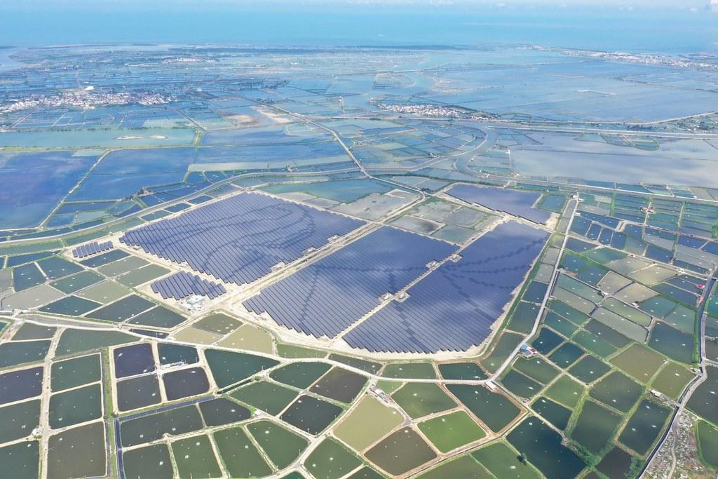 嘉義鹽田光電。圖片由韋能能源提供,限本文使用,不適用CC授權。