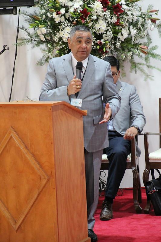 """""""Necesitamos la fuerza de Dios"""": Devocional de Pastores Miércoles 5 de Febrero"""