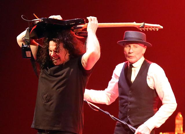 UFO Vinnie Moore & Phil Mogg 1