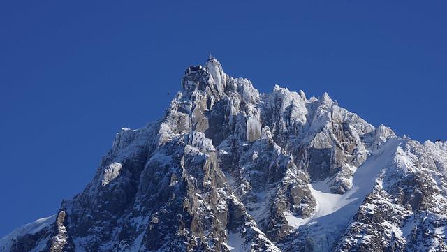 Chamonix et l'aiguille du Midi en hiver