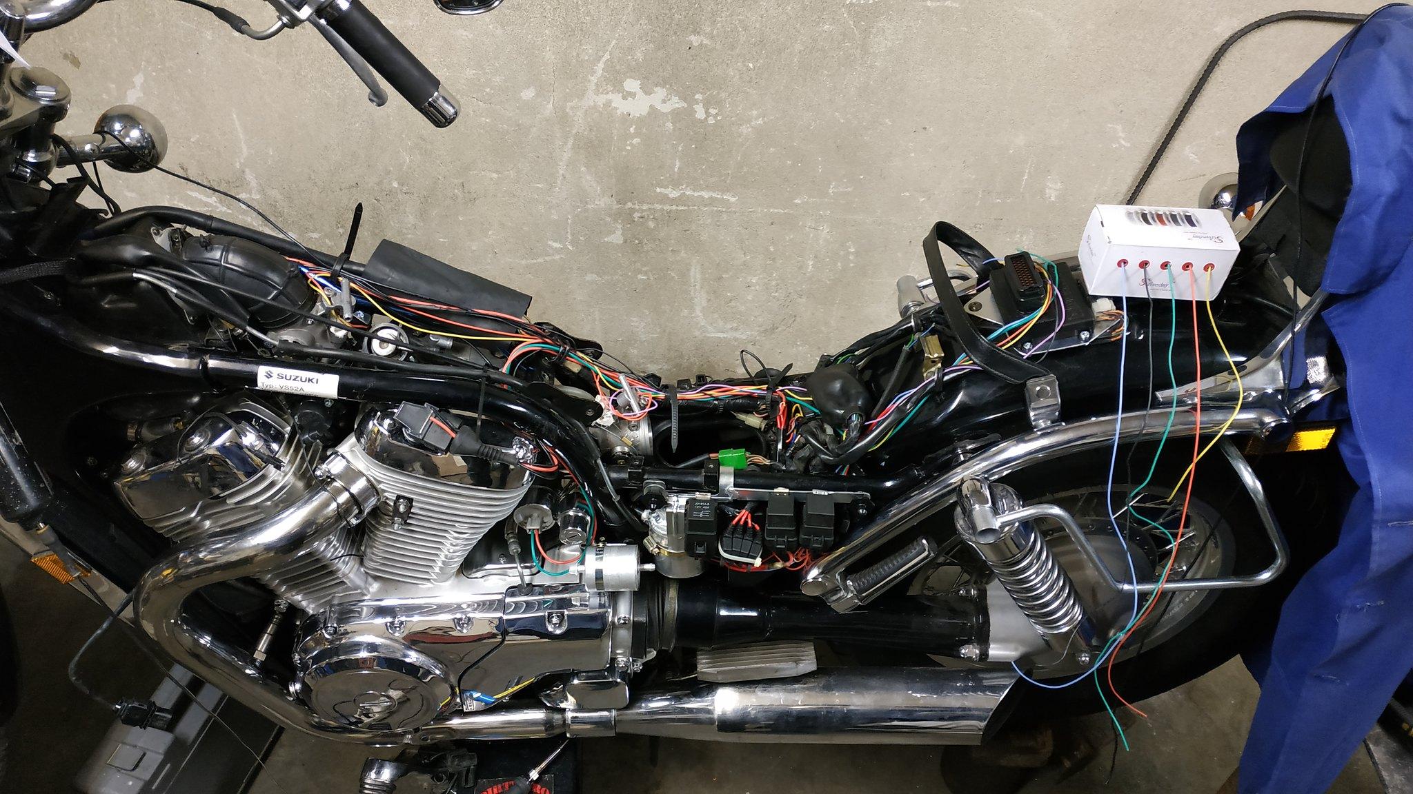 EFI conversion on VS800 49528745808_4d8f492091_k