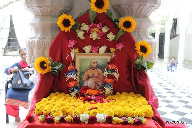 Puspanjali of Srila Bhaktisiddhanta Saraswati Thakur Maharaj ISKCON Juhu Mumbai 13th Feb 2020Puspanjali of Srila Bhaktisiddhanta Saraswati Thakur Maharaj ISKCON Juhu Mumbai 13th Feb 2020