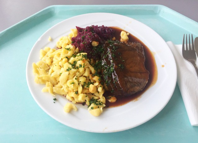 Marinated pot roast with red cabbage & spaetzle / Sauerbraten mit Blaukraut & Spätzle