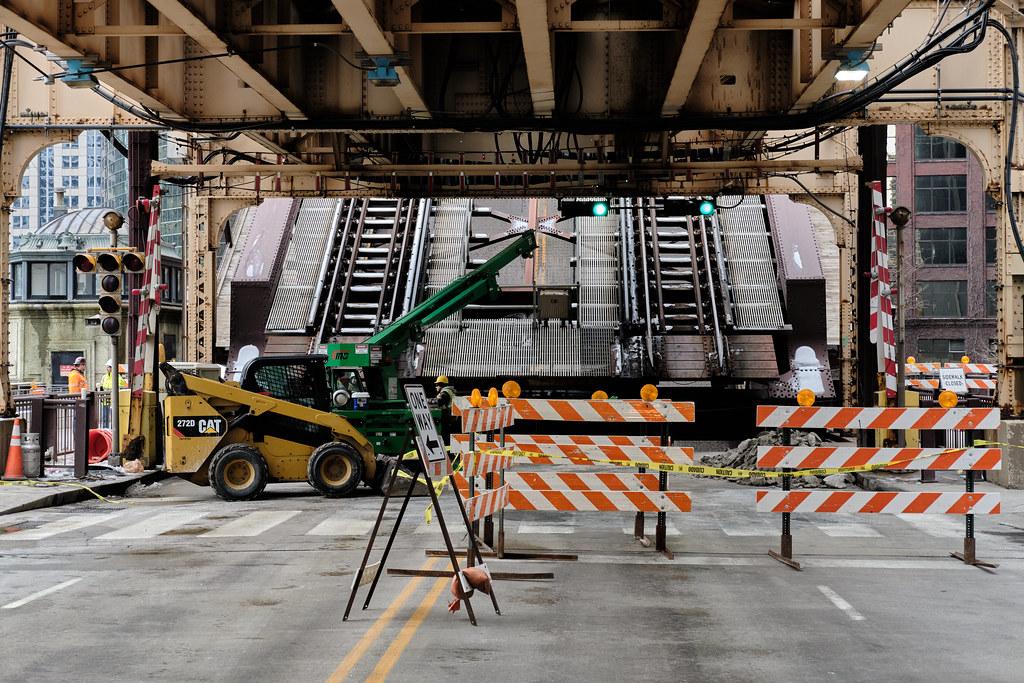 Bridge closure (I).