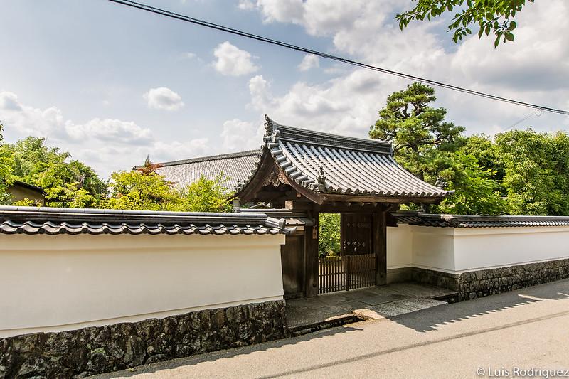 Puerta de entrada del templo Shōteki-in