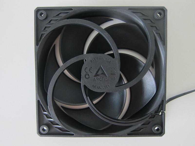 Arctic P12 PWM PST Fan - Back - Grills