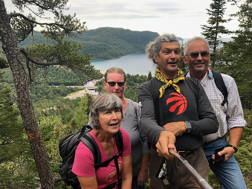 Lake Superior - 4 of us on Old Woman Bay hike