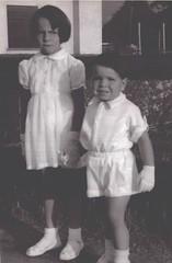 Meine Schwester Annemarie und ich