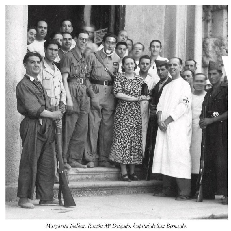 Margarita Nelken en el Monasterio de San Bernardo cuando era Hospital de Sangre durante la guerra civil en 1936