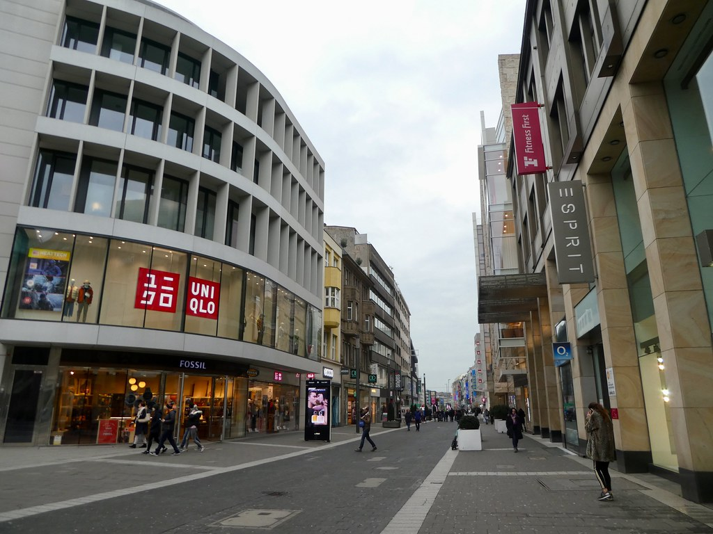 City centre shopping, Düsseldorf
