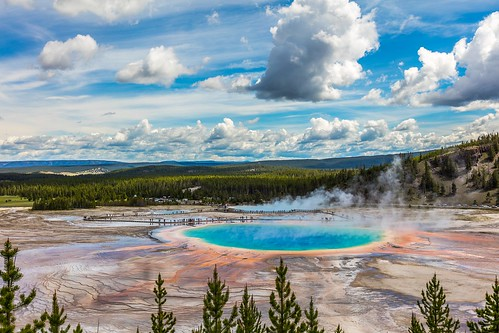 Yellowstone! Lonely Planet's Family Travel Tips: Top 5 Destinations for Multigenerational Travel