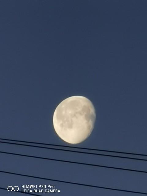 #moon #moonshot #moonphotography #Moonlight #lovemyHuawei #p30pro #p30prophoto #p30prophotography #Huaweip30pro #huaweipic #huaweiphoto #huaweipic #huaweiphoto #Huaweip30proshot #huaweiphotop30pro