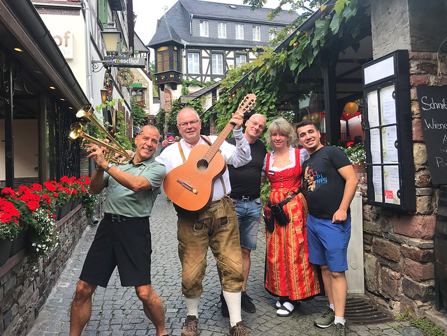 Germany - with Guests from the USA in Ruedesheim, DROSSELGASSE
